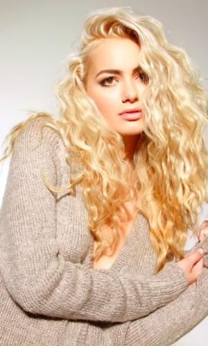 curly hair stylist raleigh - Douglas Carroll