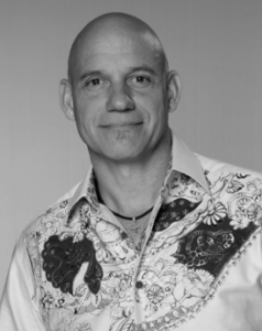 With 31 years as a salon owner, Douglas Carroll David is recognized for his signature cutting techniques, innovative styling and makeover genius.